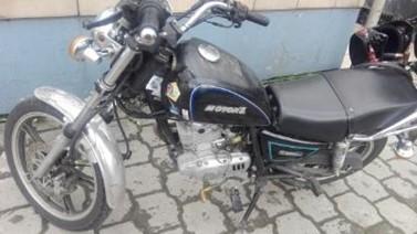 MOTOCICLETA MOTOR UNO SK200-4 CLASSIC 200 2010, COLOR PLOMO